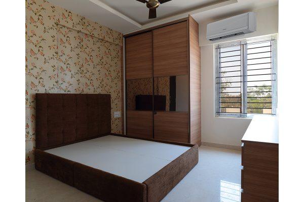 Contemporary Floor-to-Ceiling Wardrobe