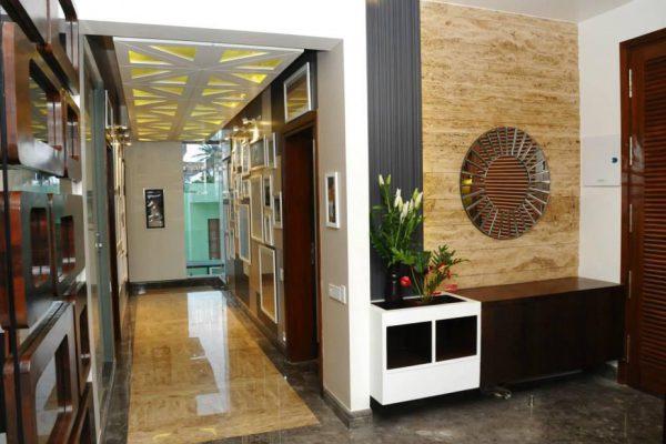 Maximalist Foyer Interiors