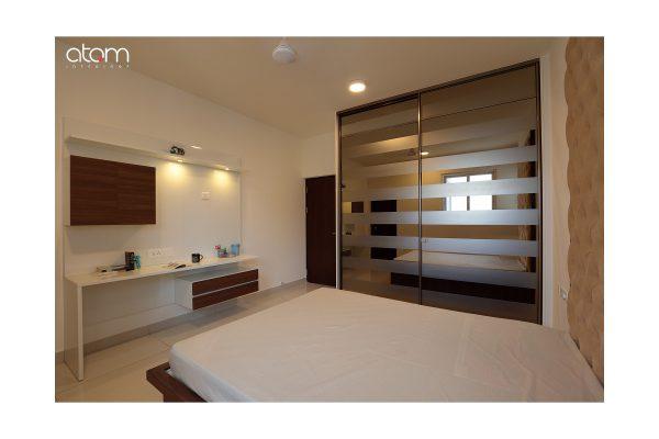 Neo Classic Floor-to-ceiling Wardrobe